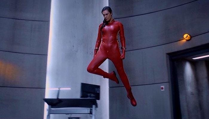Powers-1x5-Retro-Girl