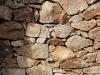 mur-de-pierre-Brehat