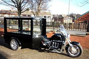 Corbillard moto
