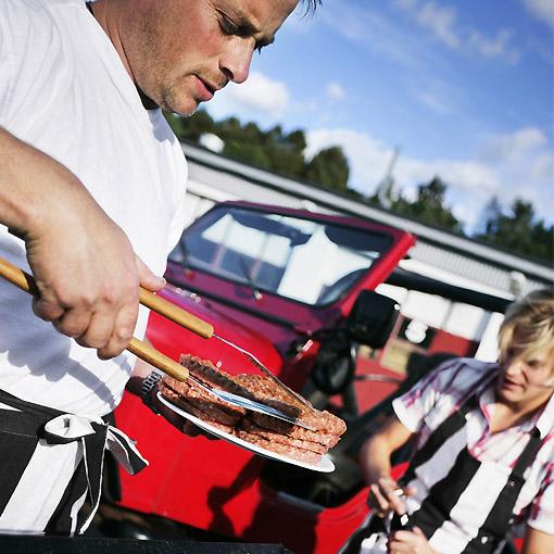 tablier barbecue et torchon bistrot assorti