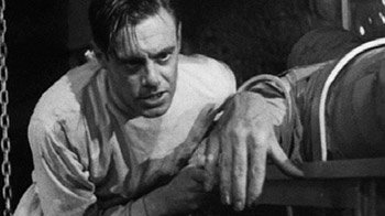 """""""It's alive, IT'S ALIVE! […] Now I know what it feels like to be God!"""" (Frankenstein, 1931) ©Universal"""