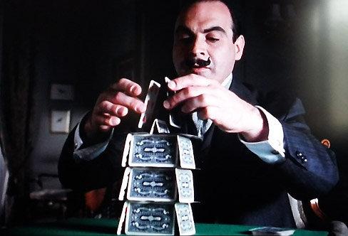 La Mystérieuse Affaire de Styles : Poirot se concentre