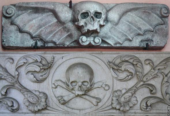 Cimetière St. Sebastian de Salzburg : têtes de mort...