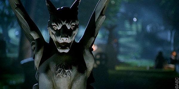 épisode spécial halloween Castle : cimetière la nuit