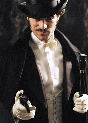 La Comptesse de Cagliostro et L'Aiguille creuse sont la base du scénario du film Arsène Lupin avec Romain Duris