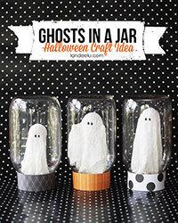 Déco à thème fantôme : fantômes sous globes