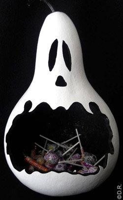 Déco à thème fantôme : distributeur bonbons halloween