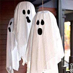 Déco à thème fantôme : suspensions entrée