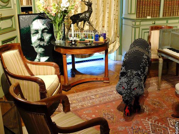 Enquête à Cheverny : le portrait de Conan Doyle dans la bibliothèque