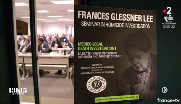 Les séminaires de formation à l'analyse de scène de crime créés par Frances GLESSNER LEE existent toujours.