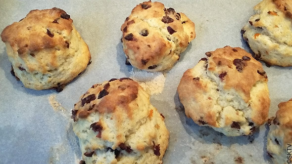 Scones orange cranberries tout juste sortis du four !