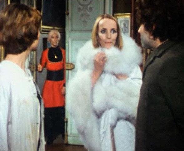 La Poupée sanglante : la marquise de Coulteray, interprétée par Edith SCOB