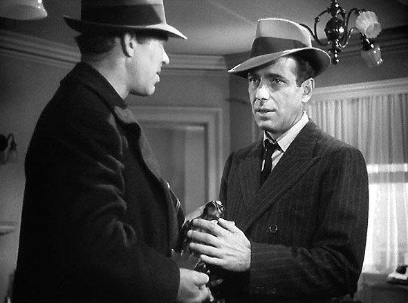 Le Faucon maltais, photo du film de John Huston : Spade et l'agent de police Tom Polhaus