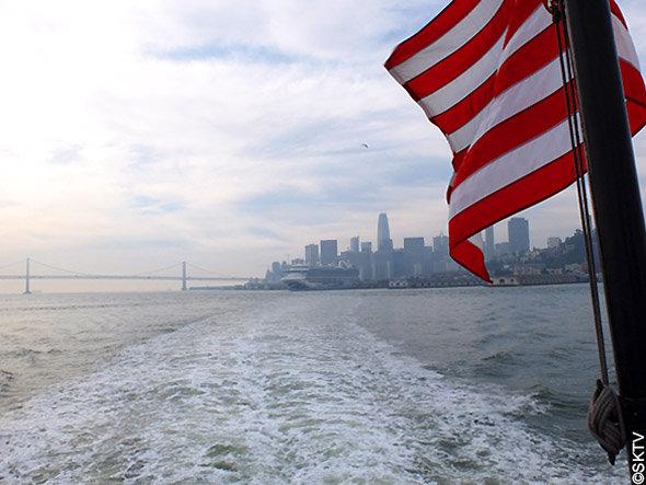 Alcatraz : la skyline de San Francisco vue depuis le ferry
