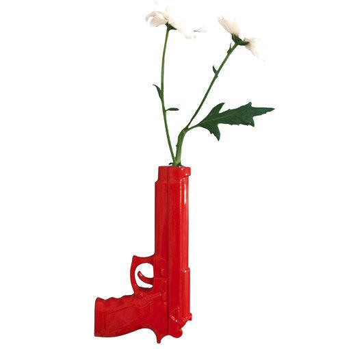 vase pistolet orné de 2 marguerites