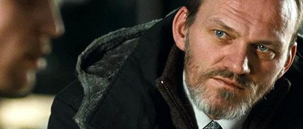 Jar City, adaptation cinéma du polar d'Arnalddur Indridason : Erlendur est interprété par l'acteur islandais Ingvar Eggert SIGURÐSSON