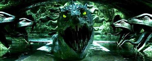 Soupe verte à l'oeil de basilic : image du serpent aux yeux jaunes de Harry Potter
