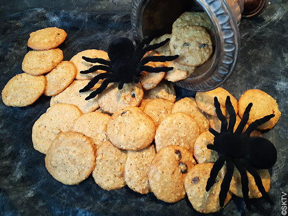 Cookies potiron avoine raisins noix : photo avec stylisme halloween