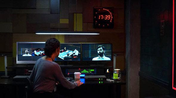 Série Netflix Criminal : l'horloge compte à rebours dans la salle d'observation