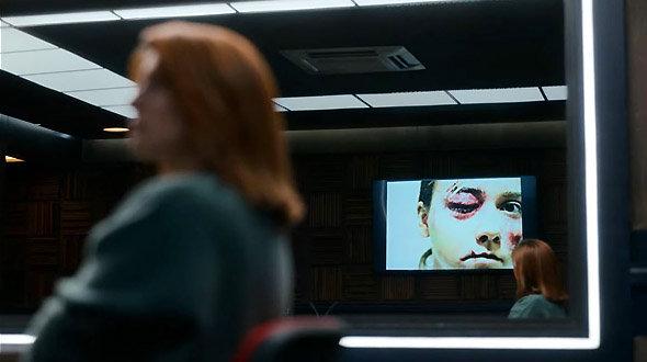 Série Netflix Criminal : Danielle, la justicière du web, est mise face à ses responsabilités.