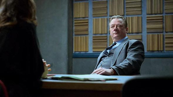 Série Netflix Criminal : le mystérieux personnage de Jochen se demande ce qu'il fait là...